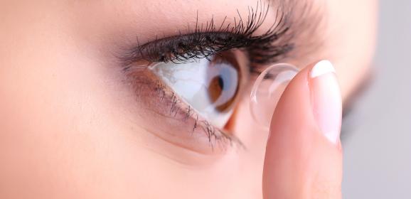 Top Makeup Tips for Contact Wearers